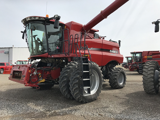 2016 CASE IH 6140 AXIAL FLOW COMBINE