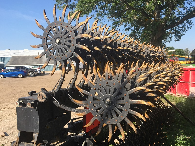 2011 YETTER 3530 ROTARY HOE
