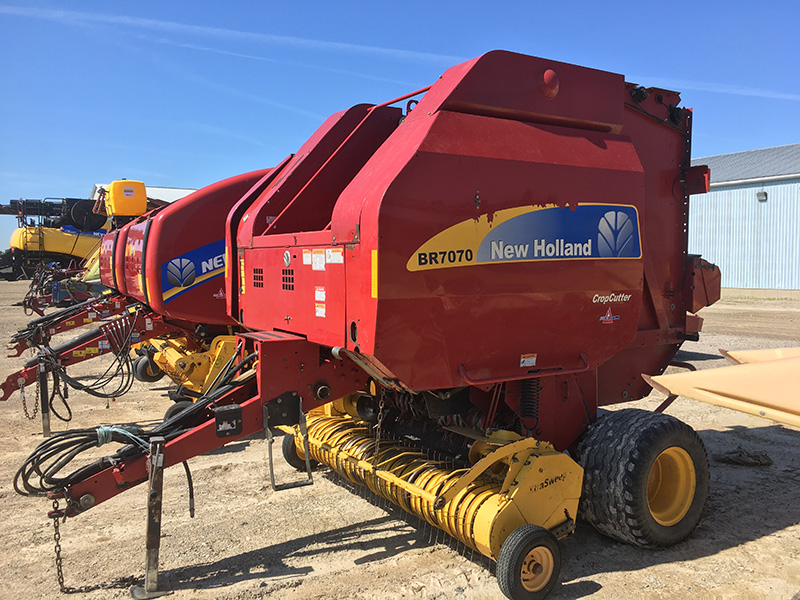 2009 NEW HOLLAND BR7070 ROUND BALER